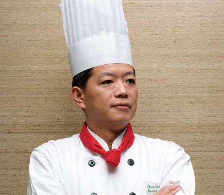 Sous vide chef C. K. ChenC K Chen