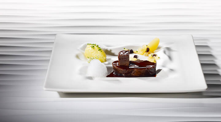 Marinated beef sous vide with raisinsSauberbraten Rosinen Heikoantoniewicz