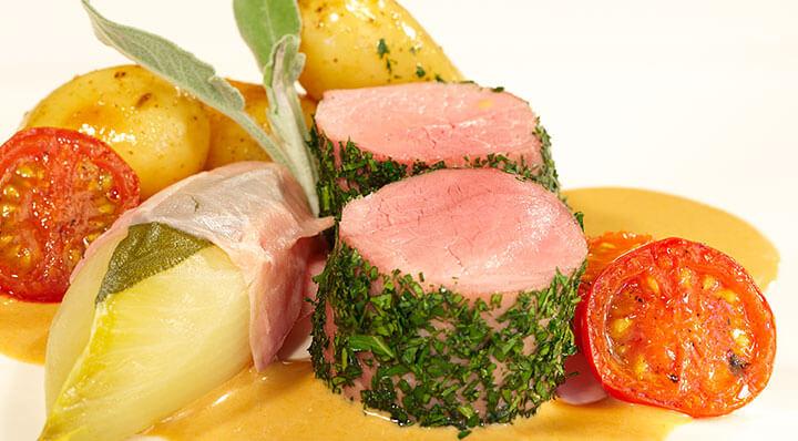 Pork fillet sous vide with chicorySchweinefilet Heikoantoniewicz