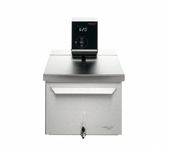 Sous vide cooker Pearl M front