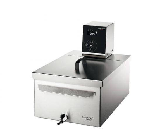 Sous vide cooker Pearl S right