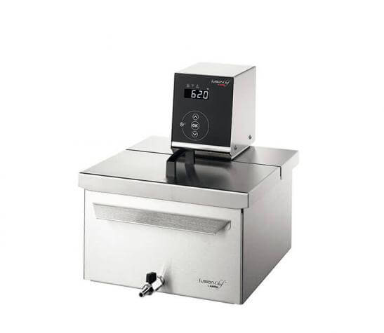 Sous vide cooker Pearl XS right