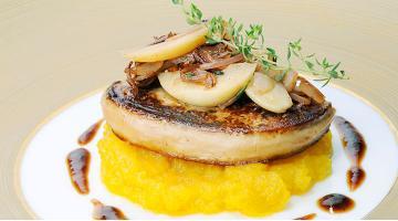 Pan Seared foie gras sous videGaensestopfleber Chrissalans