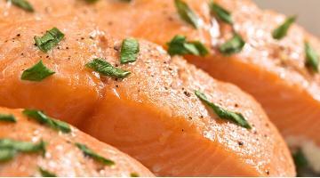 Salmon confit sous videLachs Confit Rezept Emmanuelstroobant Fotolia 43554472