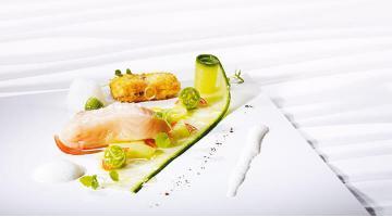 Sous vide filet of salmon with PepquinosLachsfilet Ruecken Pepquino Heikoantoniewicz