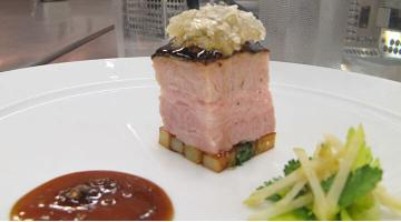 Pork belly sous vide with apple saladSchweinebauch Apfelsalat Kenharvey