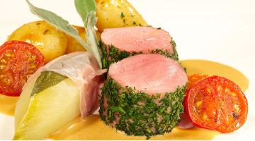 Pork fillet sous vide with chicorySchweinefilet Heikoantoniewicz