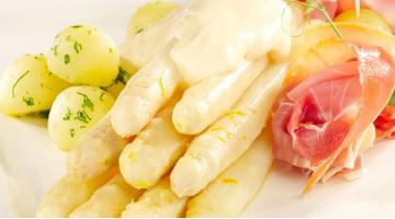 Asparagus sous vide with Hollandaise sauceSpargel Sauce Hollandaise Heikoantoniewicz