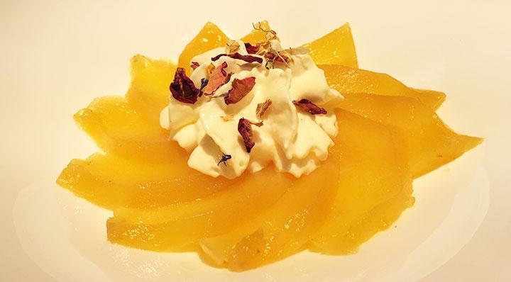 Zitronenmousse mit kandierter Ananas und BananeZitronen Mousse Daniloange